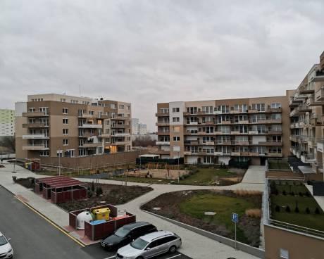 Byt 3+kk se 3x balkony, 85 m2, GS,  Praha 10 - Horní Měcholupy, ul. Mantovská