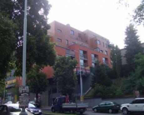 Byt v Praze 4 - Podolí (101,80 m2) s garáží, sklepy a zahradou