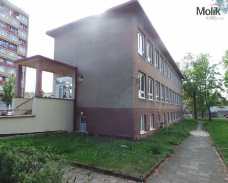 Pronájem prostoru 100 m2, Litvínov-U Zámeckého parku