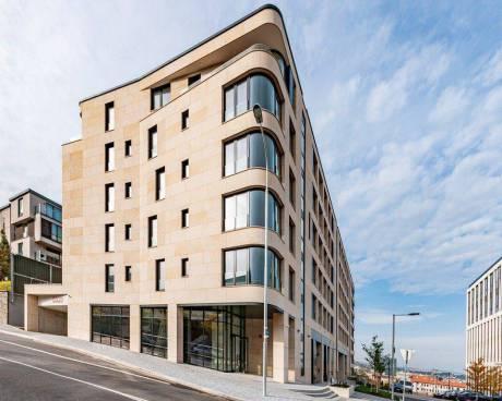 Obchodní prostor k pronájmu, 528 m2, v novostavbě Rezidence Churchill v ulici Italská, Vinohrady, Pr