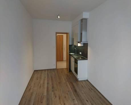 Nový byt 1+kk s balkonem, u. Makedonská, Praha 9 - Prosek