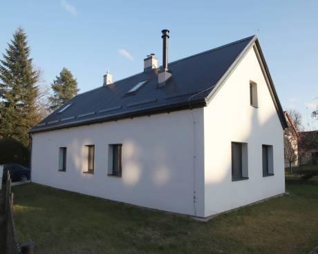 Prodej rodinného domu a hospodářské budovy s užitnou plochou 235 m², pozemek 549 m²