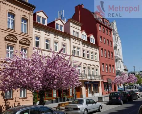3+1/balkon + tech. míst., 120 m2 + sklep 100m2, 1.patro, K.Vary - ul. Moskevská (centrum)