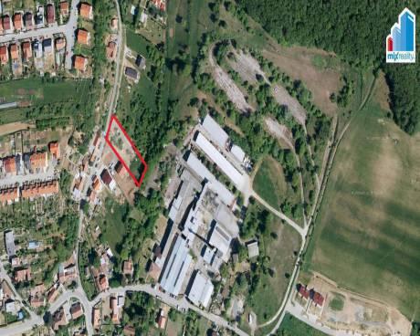 Prodej - Stavební pozemek 1928 m2 v obci Kanice