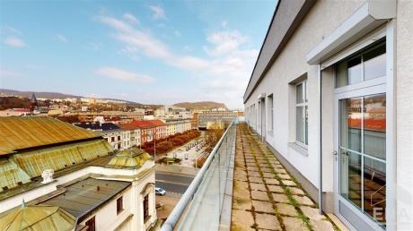 Pronájem kanceláří od 80 po 1000 m2, UL - centrum