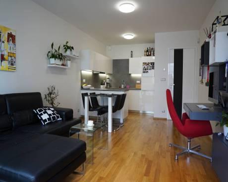 Prodej bytu 2+kk 62 m², U Nikolajky, Praha 5 - Smíchov