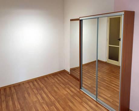 Pronájem bytu 1+1 Halasovo nám., Brno-Lesná, CP 33 m2, částečně zařízený