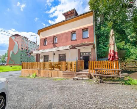 Penzión s restaurací a bytem , 800 m², Teplice-Prosetice, Ul. Na výšinách