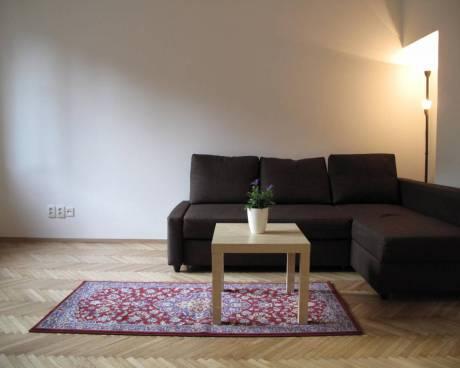 Byt 1+1 34 m² Praha 6, M.J. Lermontova, po rekonstrukci s výhledem do zeleně