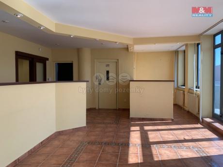Pronájem kancelářského prostoru, 132 m², Zlín