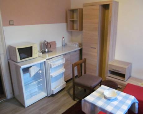 Byt 1+1, 32 m2, v RD, ul. Trojská, Praha 8 - Troja