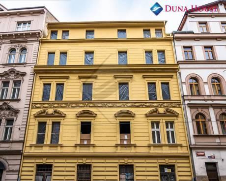 Prodej bytu 2 + kk/B, 42,96 m2, Praha 5 - Smíchov.