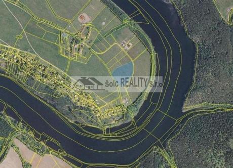 Prodej pozemku 7952 m2, ve Zduchovicích na břehu Vltavy