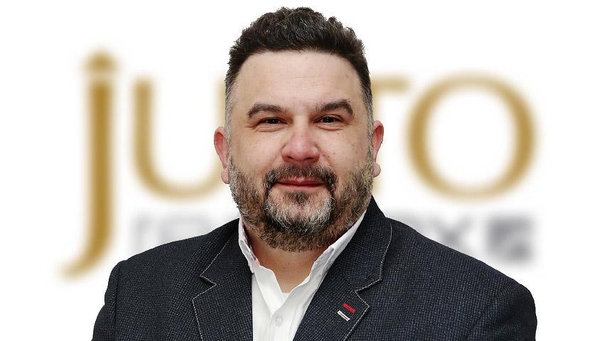 Petr Vazač