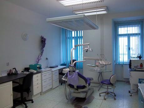 Prodej zavedené stomatologické a ortodoncní ordinace, Brno-střed, ul Cejl, CP 80 m2