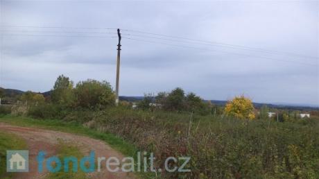 Prodej pozemku Lhenice