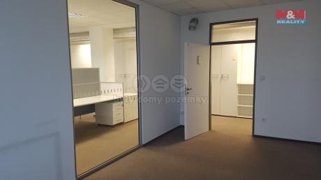 Pronájem kanceláří, 1280 m², Plzeň, ul. Na Pomezí
