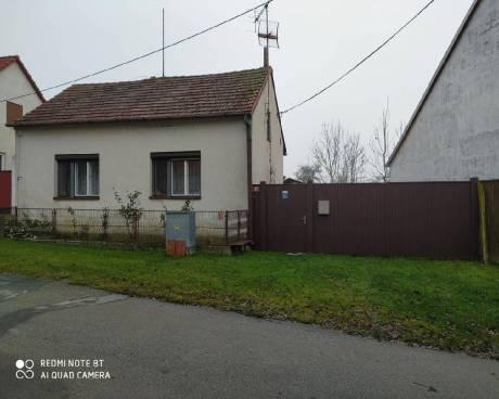Prodej RD 2+1 Jaroměřice nad Rokytnou, místní část Ohrazenice, okr. Třebíč, CP 907m2